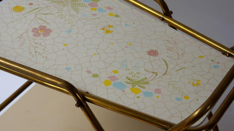 Midcentury Brass with Ceramic Hand-Painted Tray Bar Tea Cart In Good Condition For Sale In Antwerp, BE