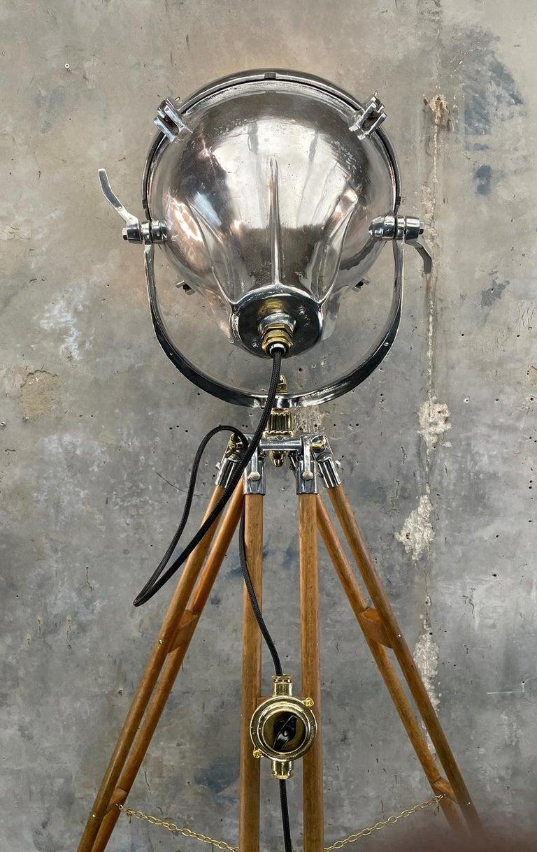 Midcentury British Cast Aluminium Industrial Light & Watts Bronze Tripod Tripod For Sale 7
