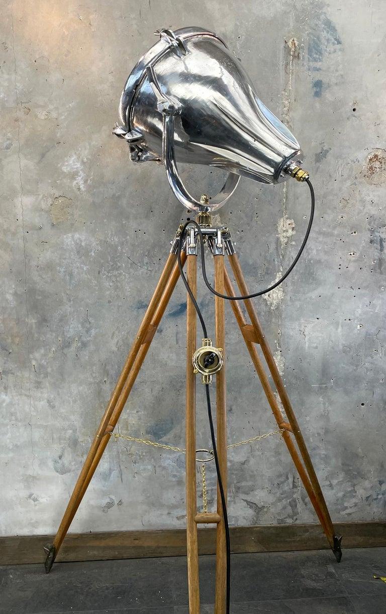 Midcentury British Cast Aluminium Industrial Light & Watts Bronze Tripod Tripod For Sale 8