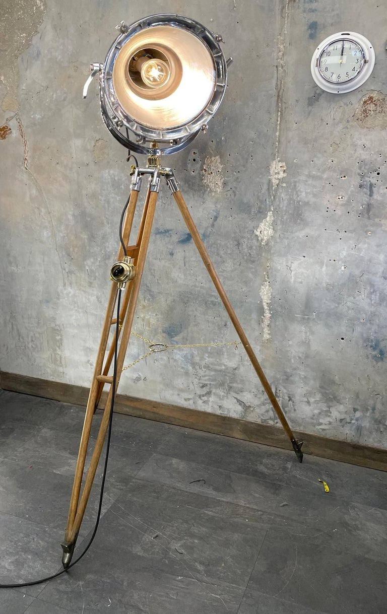 English Midcentury British Cast Aluminium Industrial Light & Watts Bronze Tripod Tripod For Sale