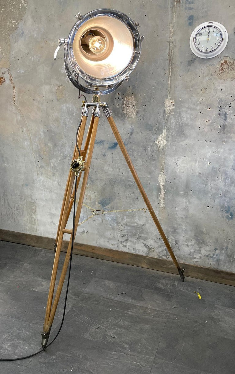 Midcentury British Cast Aluminium Industrial Light & Watts Bronze Tripod Tripod For Sale 1