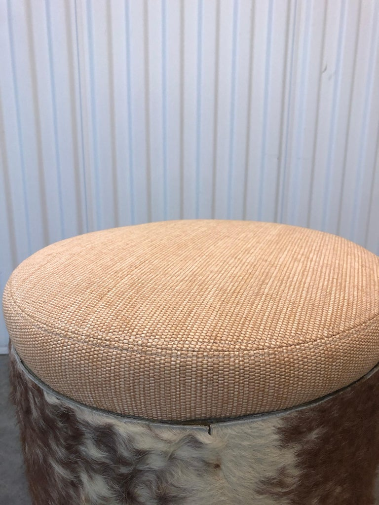 Midcentury Brown and Tan Cowhide Round Stool with Round Seat Cushion In Good Condition For Sale In Wilton Manors, FL
