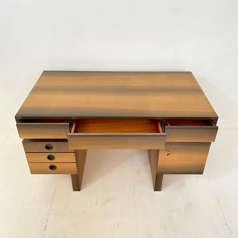 Mid Century Brutalist Desk in Bog Oak and Mahogany, around 1970s For Sale 1