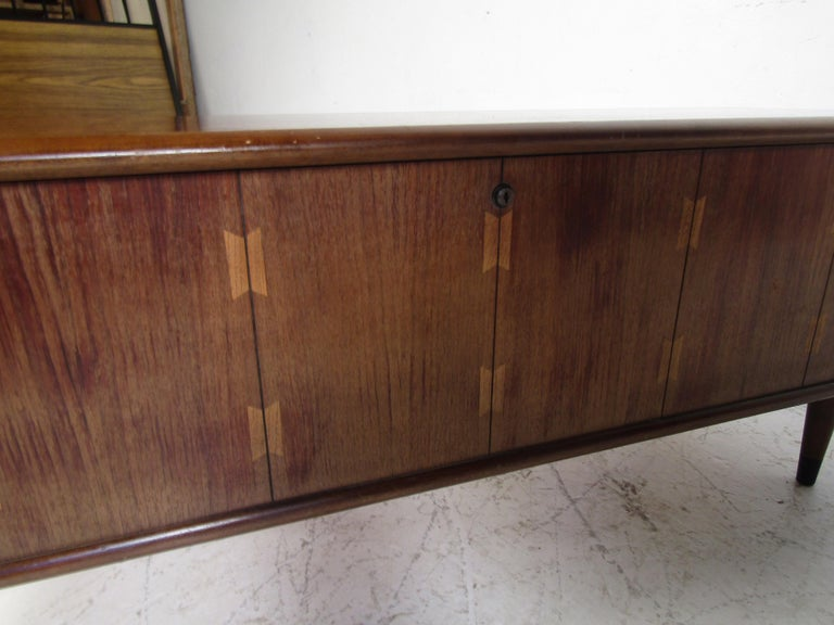 Midcentury Cedar Chest by Lane For Sale 5