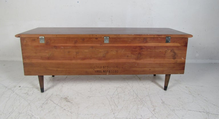 Midcentury Cedar Chest by Lane For Sale 1