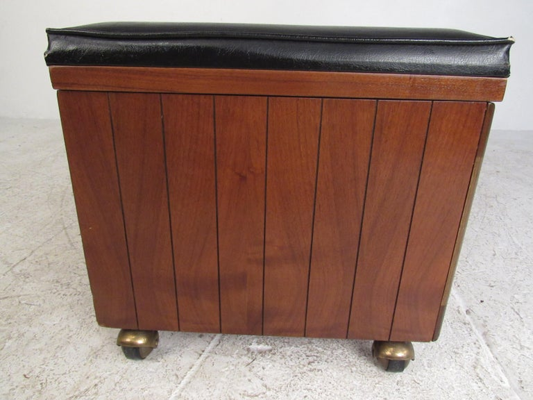 20th Century Midcentury Cedar Chest by Lane Furniture Co. For Sale