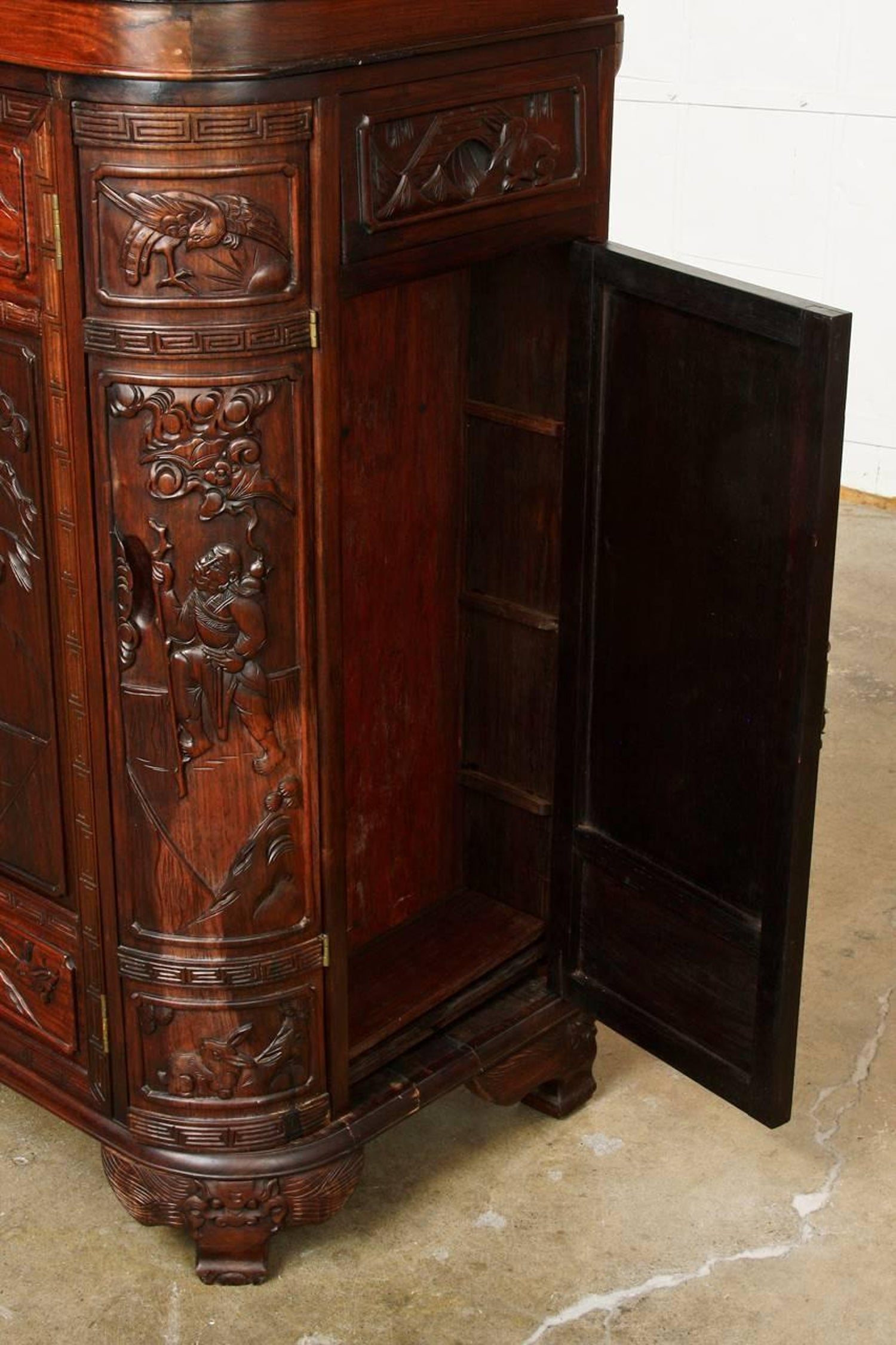 Midcentury Chinese Rosewood Dry Bar Liquor Cabinet For Sale at 1stdibs
