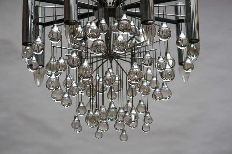 Three Midcentury Chrome and Glass Chandeliers by Sciolari, Italy In Good Condition For Sale In Antwerp, BE
