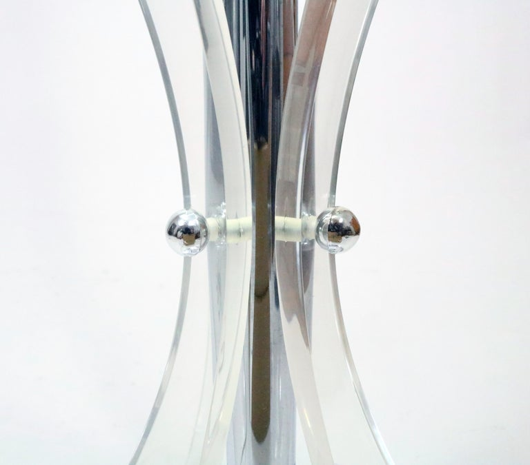 Late 20th Century Midcentury Chrome, Glass and Lucite Table Floor Lamp For Sale