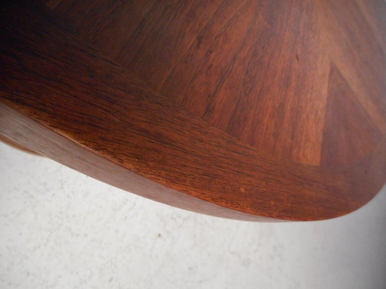 Midcentury Circular Side Table by Lane Furniture For Sale 3