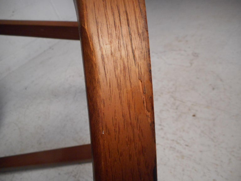 Midcentury Circular Side Table by Lane Furniture For Sale 5