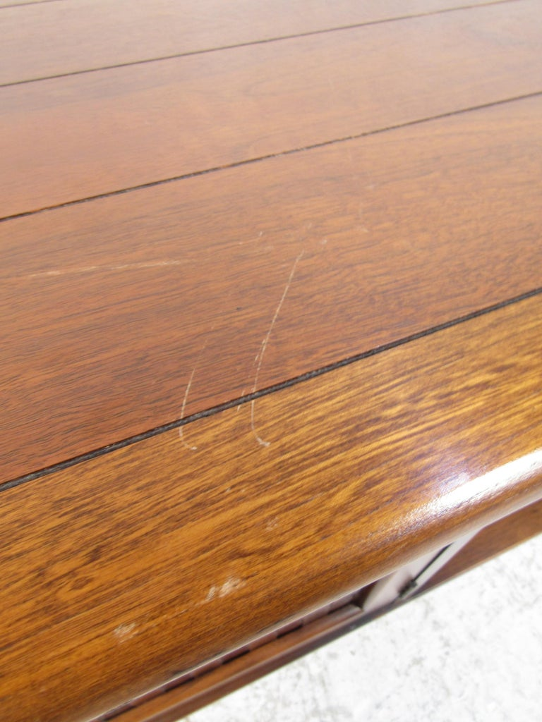 Midcentury Coffee Table by Lane For Sale 3