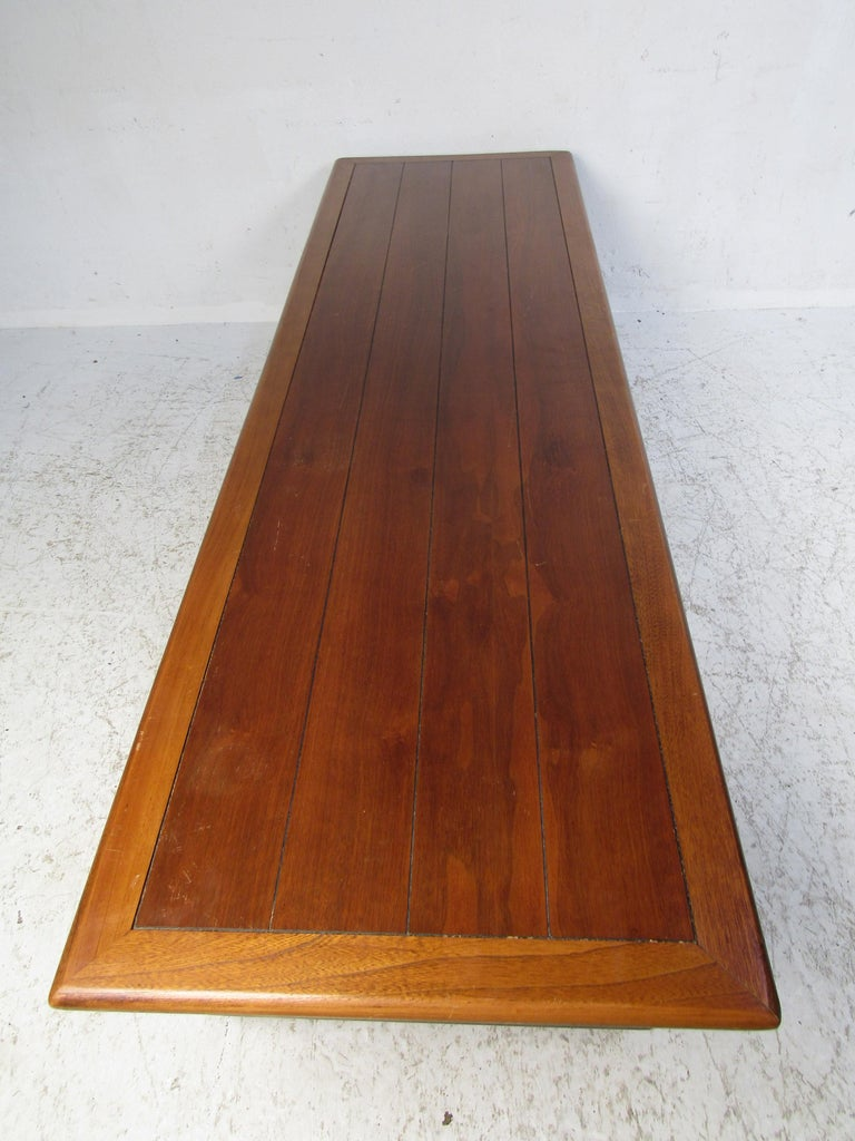 20th Century Midcentury Coffee Table by Lane For Sale