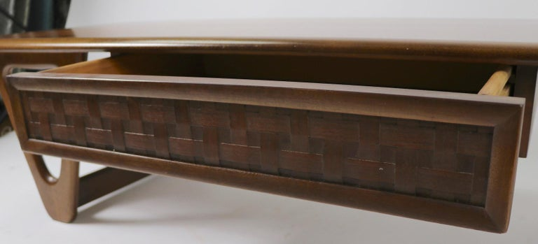 Mid-Century Modern Mid Century Coffee Table Perception by Lane For Sale