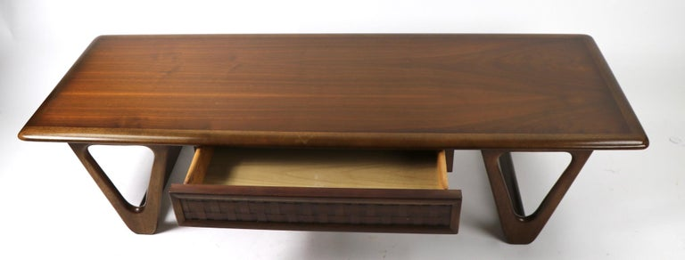 American Mid Century Coffee Table Perception by Lane For Sale
