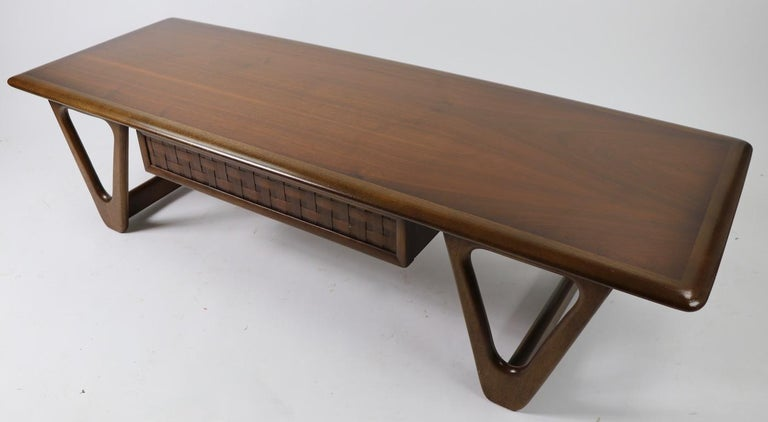 Wood Mid Century Coffee Table Perception by Lane For Sale