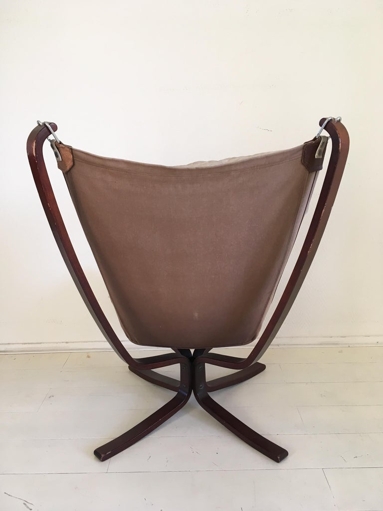 Norwegian Midcentury, Cream White, Falcon Chair by Sigurd Resell for Vatne Mobler, 1970s For Sale