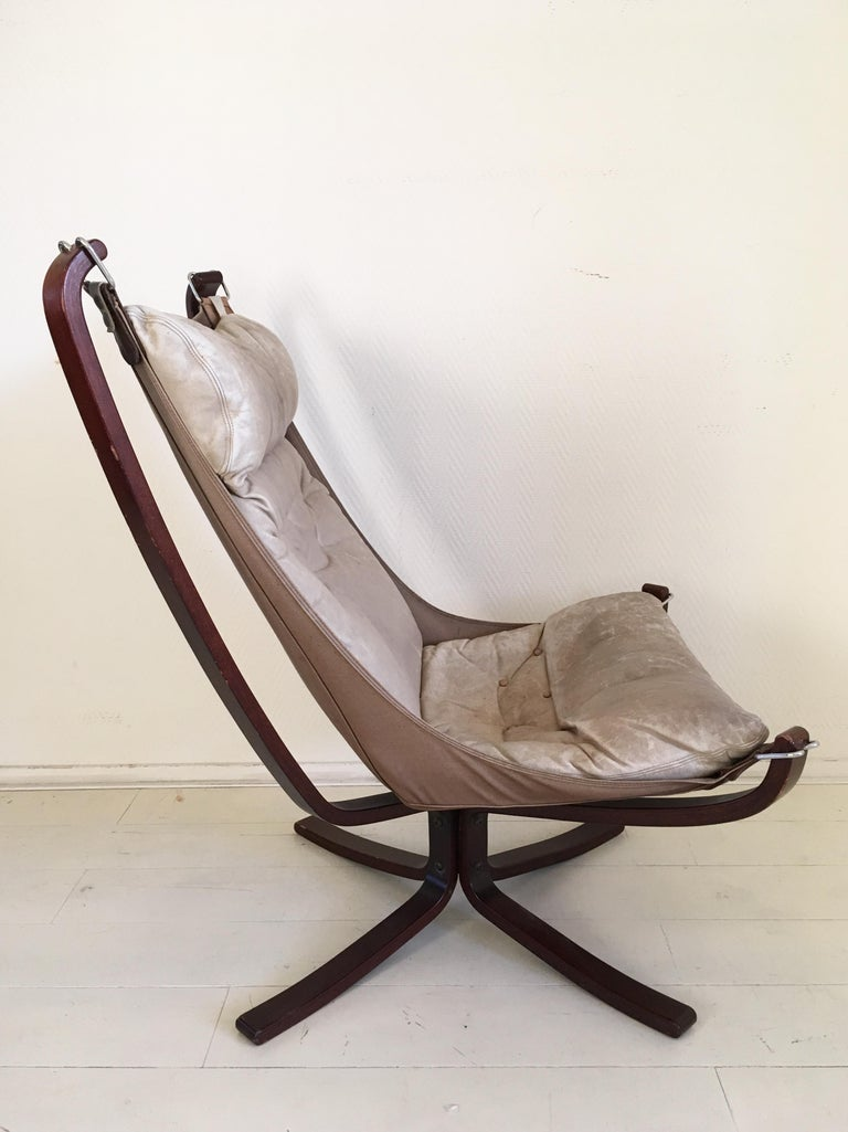 Midcentury, Cream White, Falcon Chair by Sigurd Resell for Vatne Mobler, 1970s In Good Condition For Sale In Schagen, NL