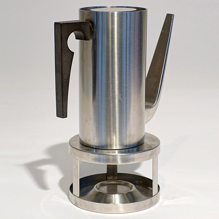 Arne Jacobsen designed the timeless Cylinda line in the mid-1960s for Stelton.