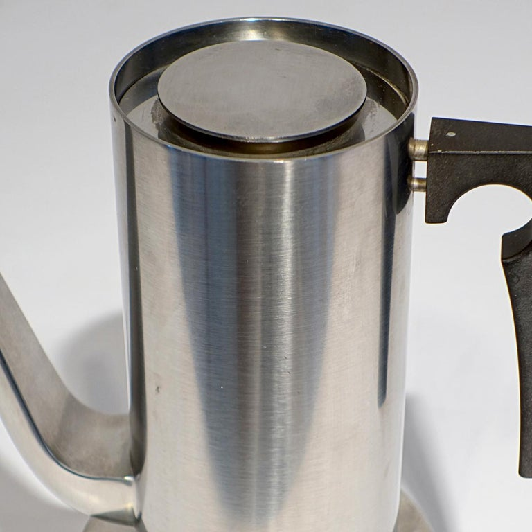 Midcentury Cylinda Coffee Pot and Stove by Arne Jacobsen for Stelton In Good Condition For Sale In Doornspijk, NL
