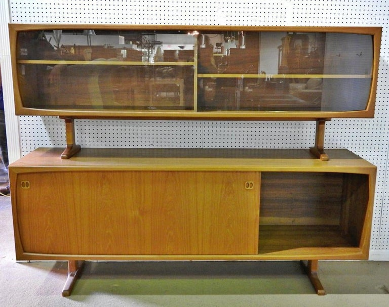 Midcentury Danish Cabinet Unit In Good Condition For Sale In Brooklyn, NY