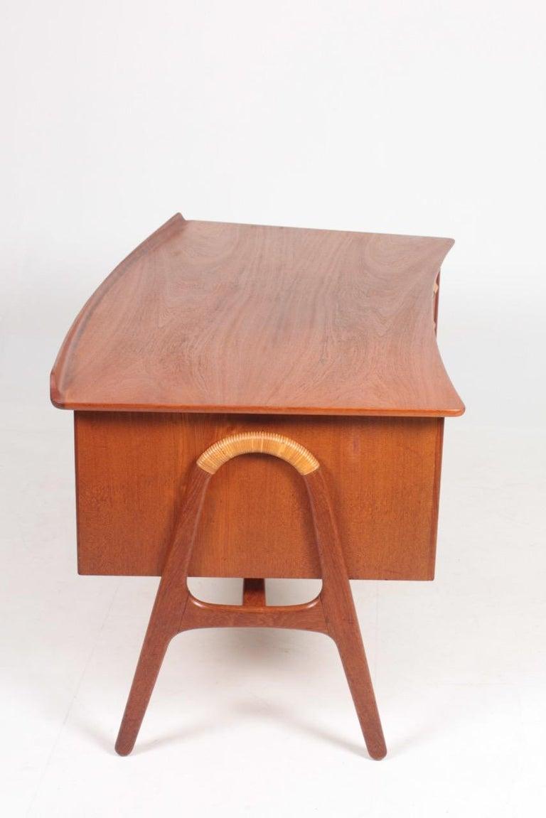 Midcentury Danish Design Desk in Teak by Svend Aage Madsen, 1950s For Sale 2