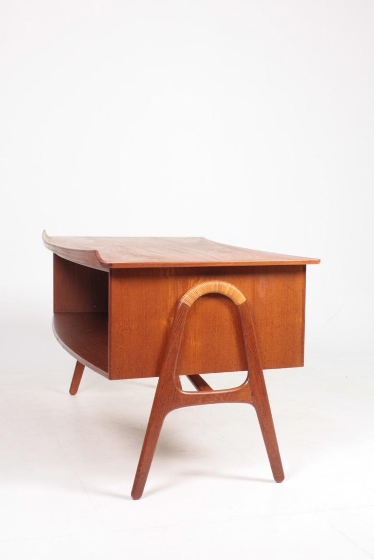 Midcentury Danish Design Desk in Teak by Svend Aage Madsen, 1950s For Sale 3