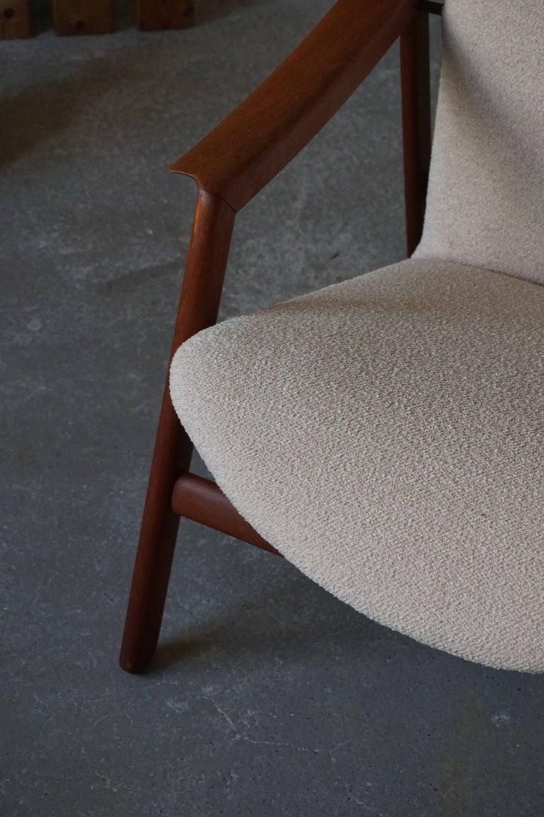 Mid Century Danish Lounge Chair in Teak and Bouclé, Finn Juhl Style, 1960s For Sale 7
