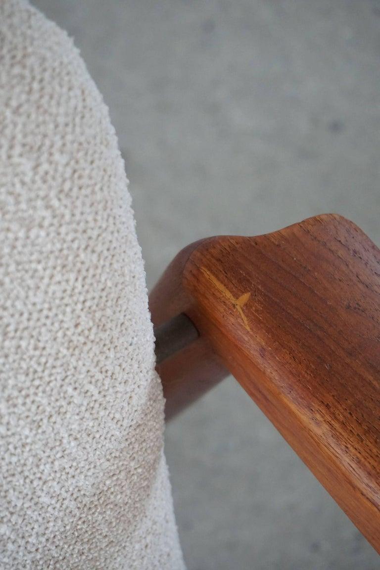Mid Century Danish Lounge Chair in Teak and Bouclé, Finn Juhl Style, 1960s For Sale 8