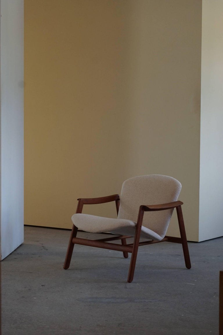 Mid Century Danish Lounge Chair in Teak and Bouclé, Finn Juhl Style, 1960s For Sale 9