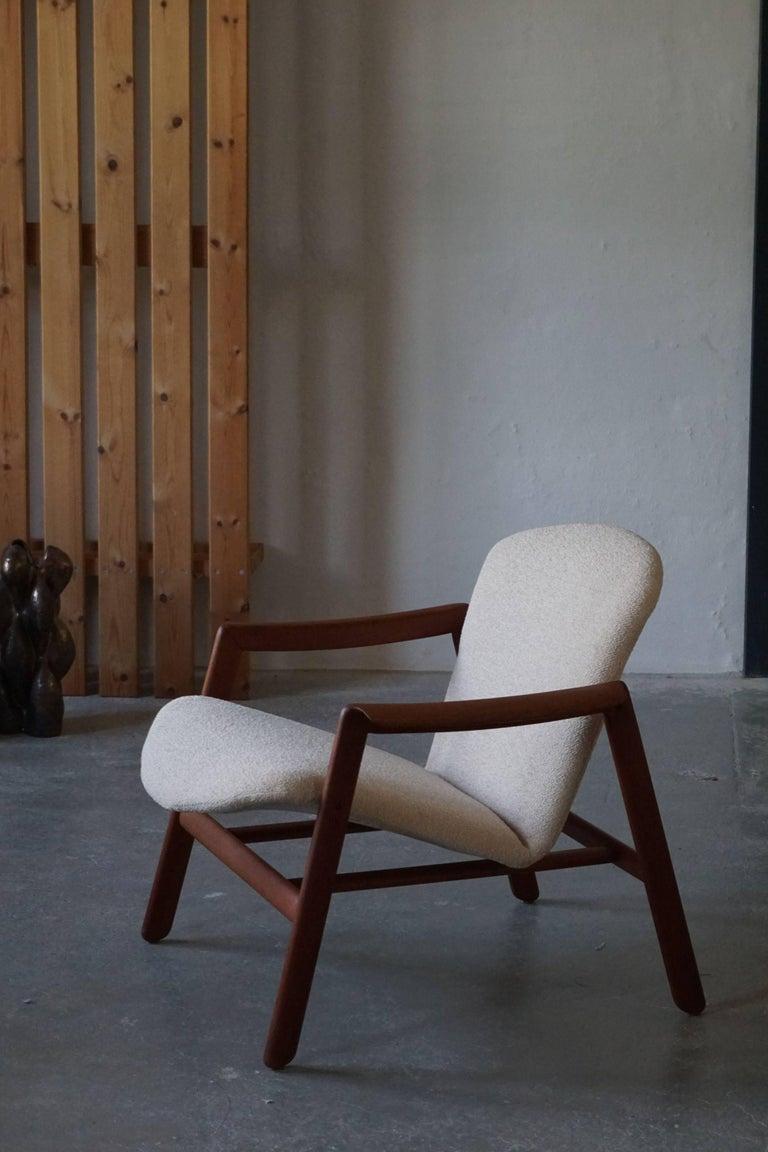 Mid Century Danish Lounge Chair in Teak and Bouclé, Finn Juhl Style, 1960s For Sale 10