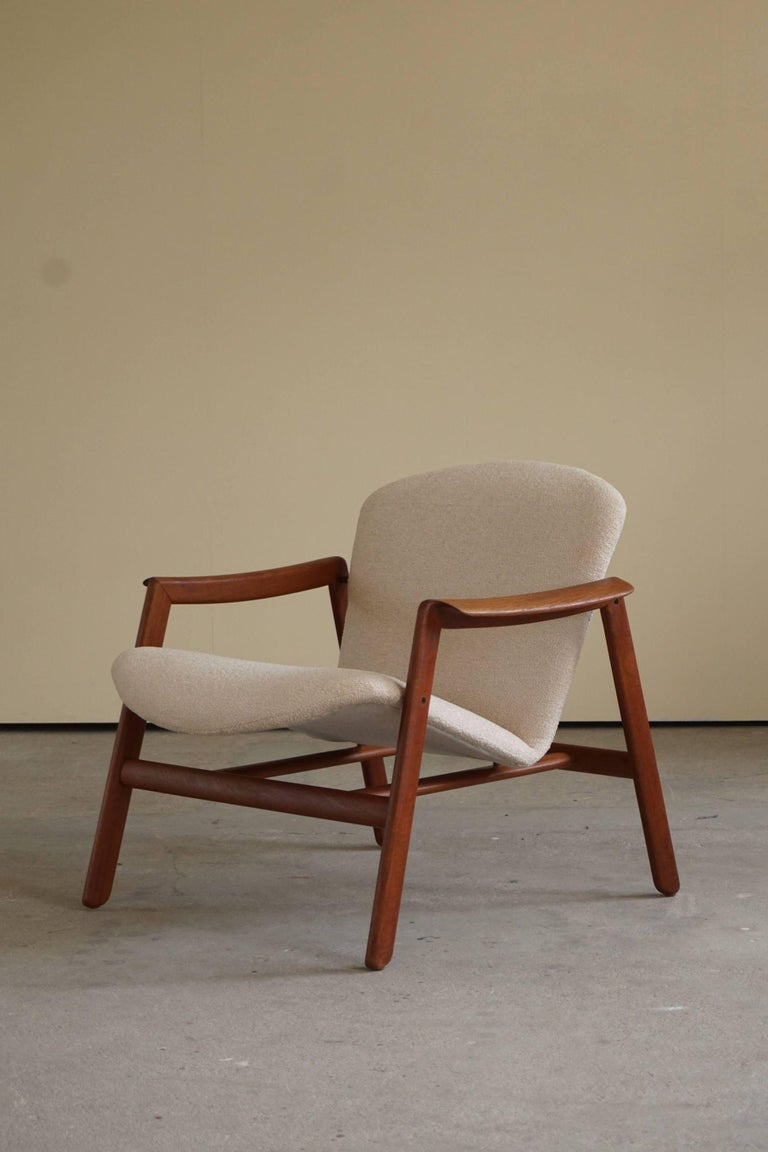 Mid Century Danish Lounge Chair in Teak and Bouclé, Finn Juhl Style, 1960s For Sale 12