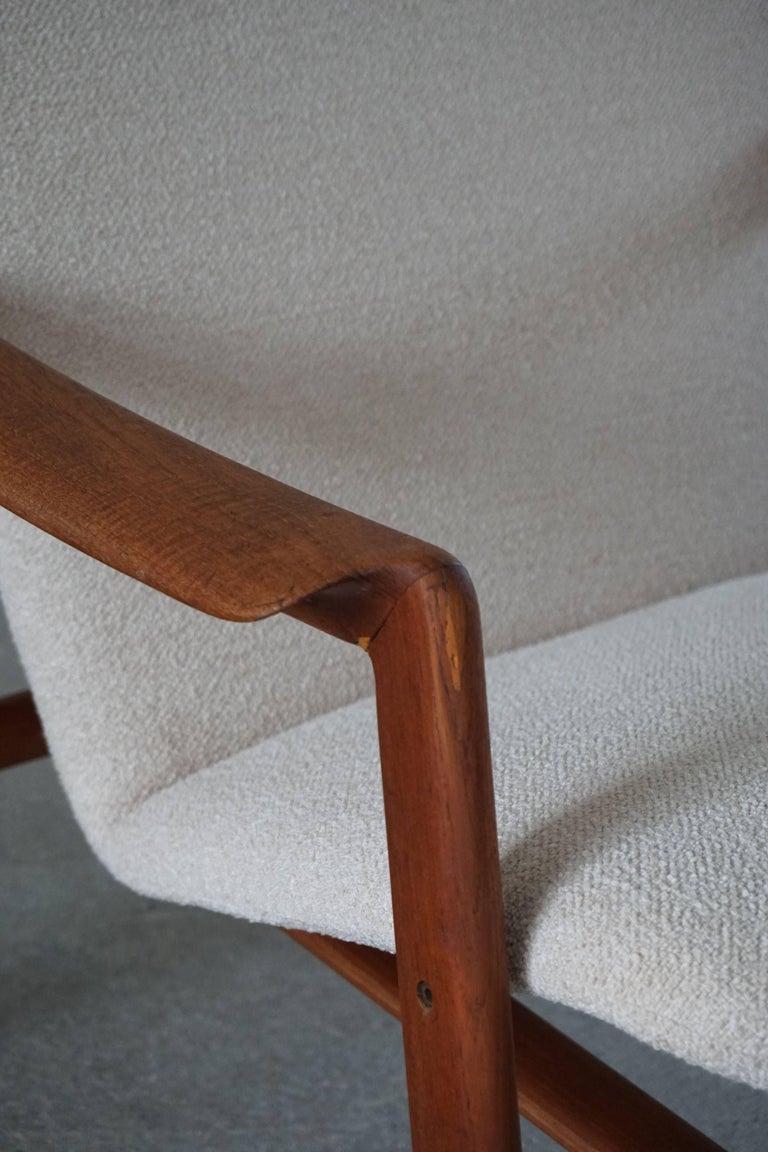 Mid Century Danish Lounge Chair in Teak and Bouclé, Finn Juhl Style, 1960s For Sale 14