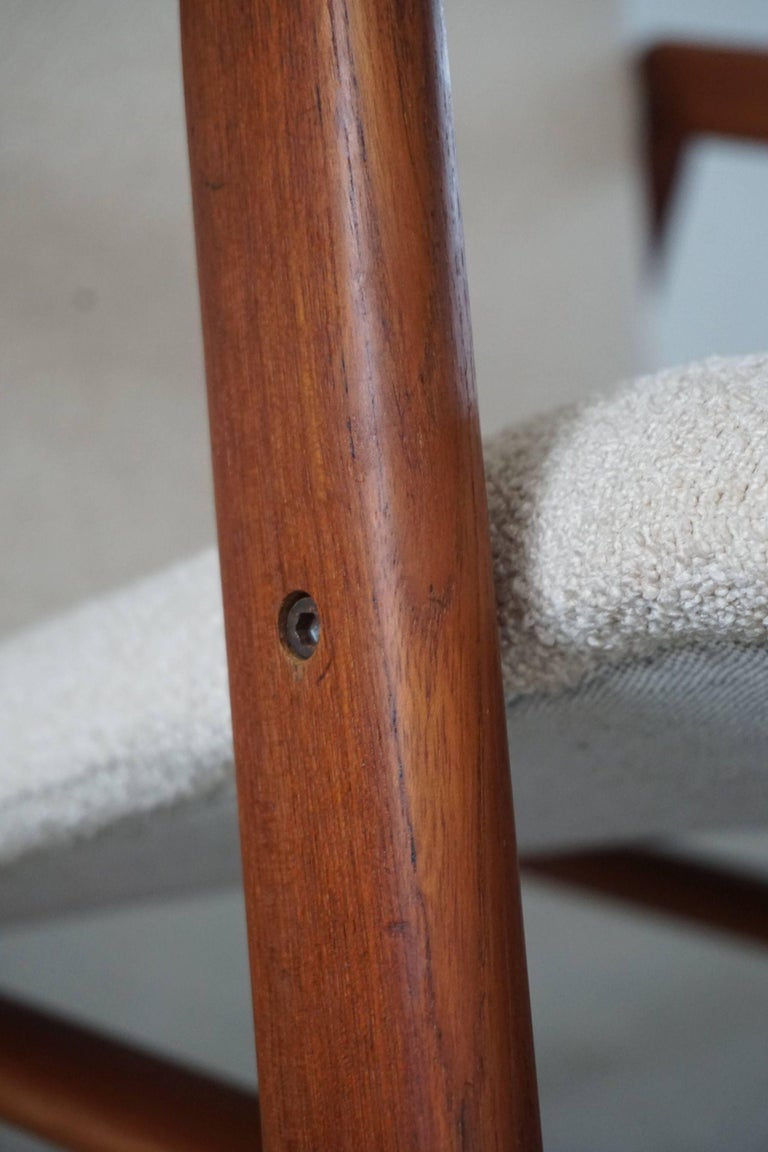 Mid Century Danish Lounge Chair in Teak and Bouclé, Finn Juhl Style, 1960s For Sale 1