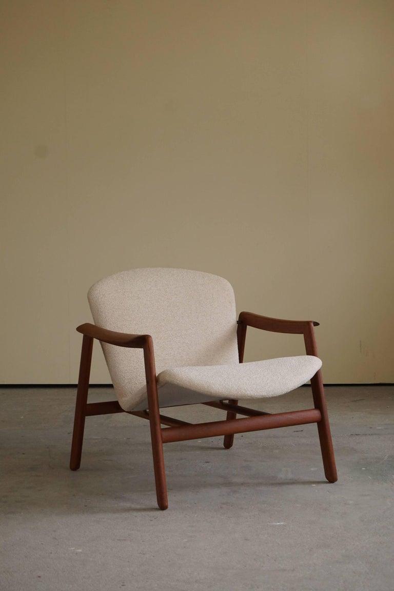 Mid Century Danish Lounge Chair in Teak and Bouclé, Finn Juhl Style, 1960s For Sale 2