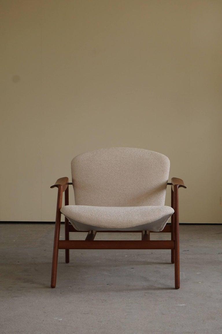 Mid Century Danish Lounge Chair in Teak and Bouclé, Finn Juhl Style, 1960s For Sale 3
