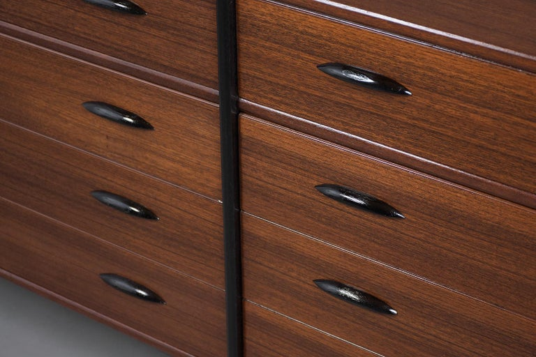 Mid-Century Danish Modern Chest of Drawers For Sale 2