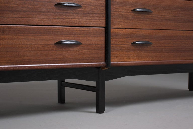 Mid-Century Danish Modern Chest of Drawers For Sale 4