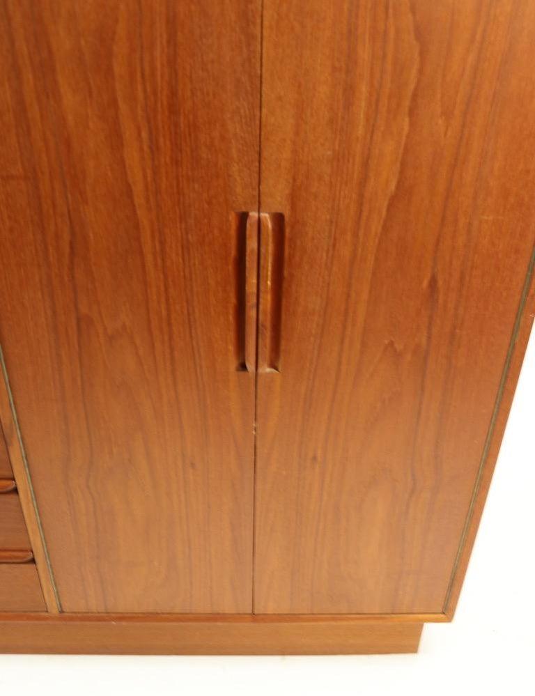 Mid Century  Danish Modern Chifferobe Dresser by Westnofa For Sale 3