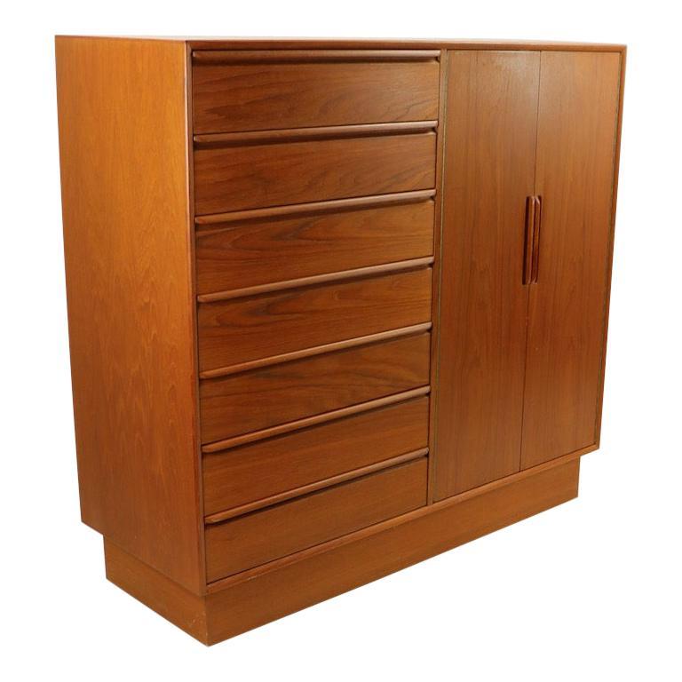 Mid Century  Danish Modern Chifferobe Dresser by Westnofa For Sale