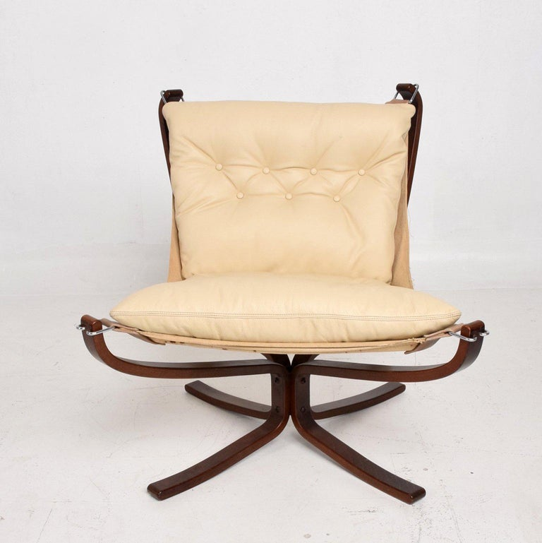 For your consideration a Mid-Century Danish Modern Falcon chair by Sigurd Ressell for Vatne Møbler.  New cushion in white leather.   Measures: 33