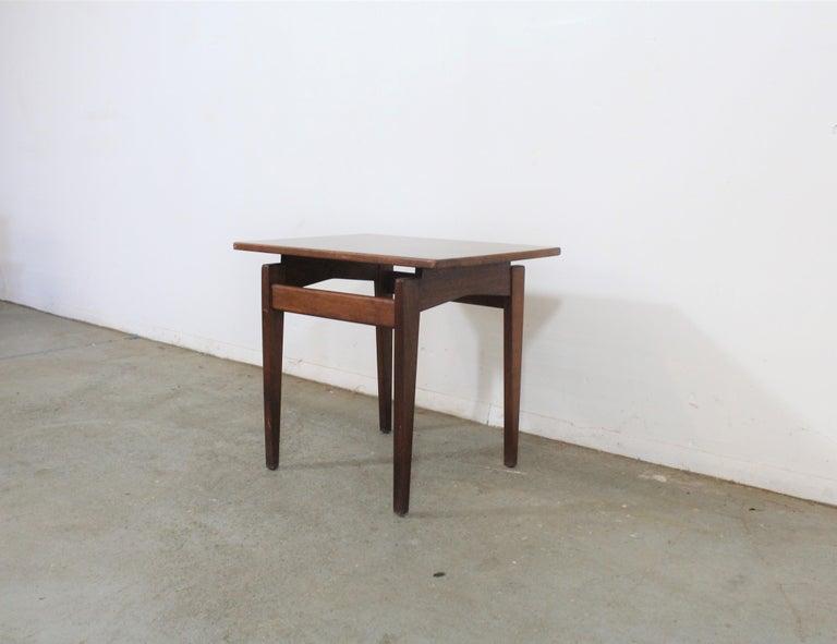 Mid-Century Modern Mid-Century Danish Modern Jens Risom Walnut End/Side Table For Sale