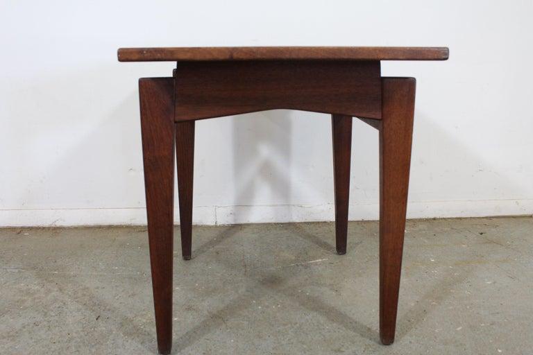 Mid-Century Danish Modern Jens Risom Walnut End/Side Table For Sale 3