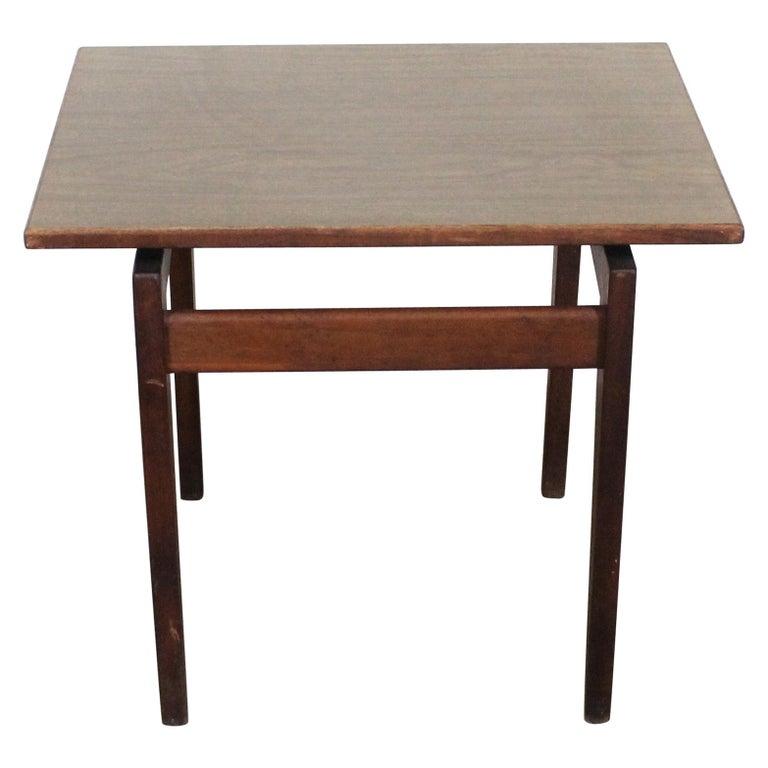 Mid-Century Danish Modern Jens Risom Walnut End/Side Table For Sale