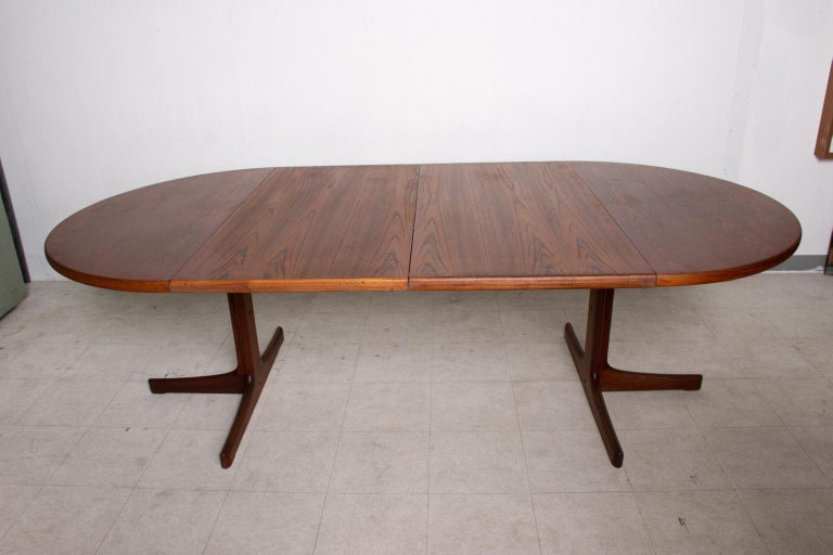 Scandinavian Modern Mid Century Danish Modern Oval Teak Dining Table For Sale