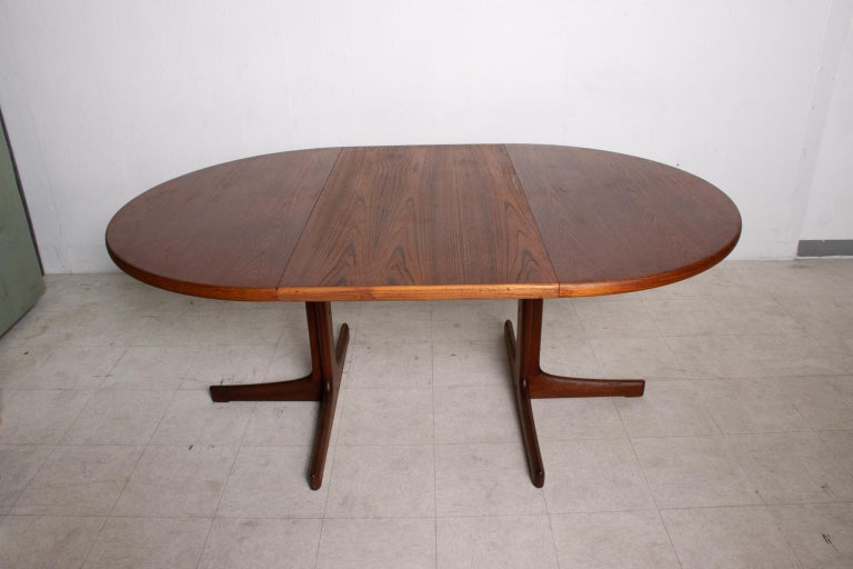 Oiled Mid Century Danish Modern Oval Teak Dining Table For Sale