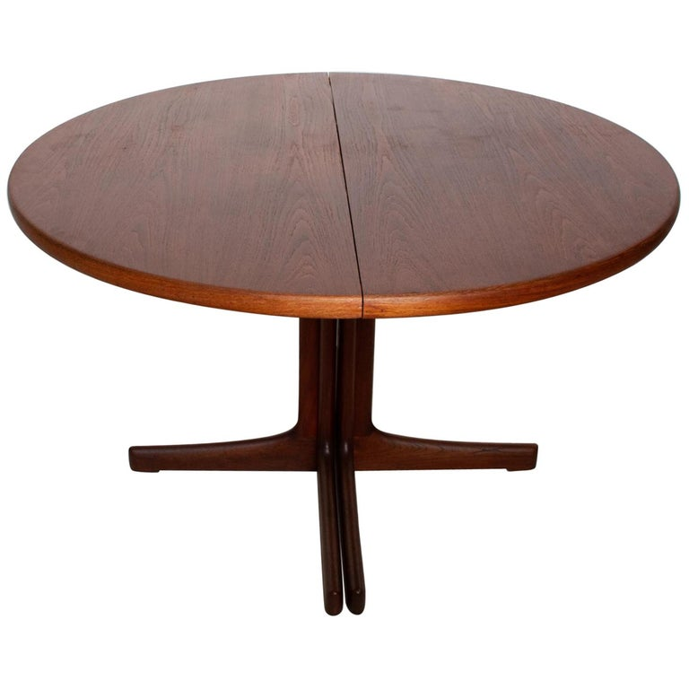 Mid Century Danish Modern Oval Teak Dining Table For Sale At 1stdibs