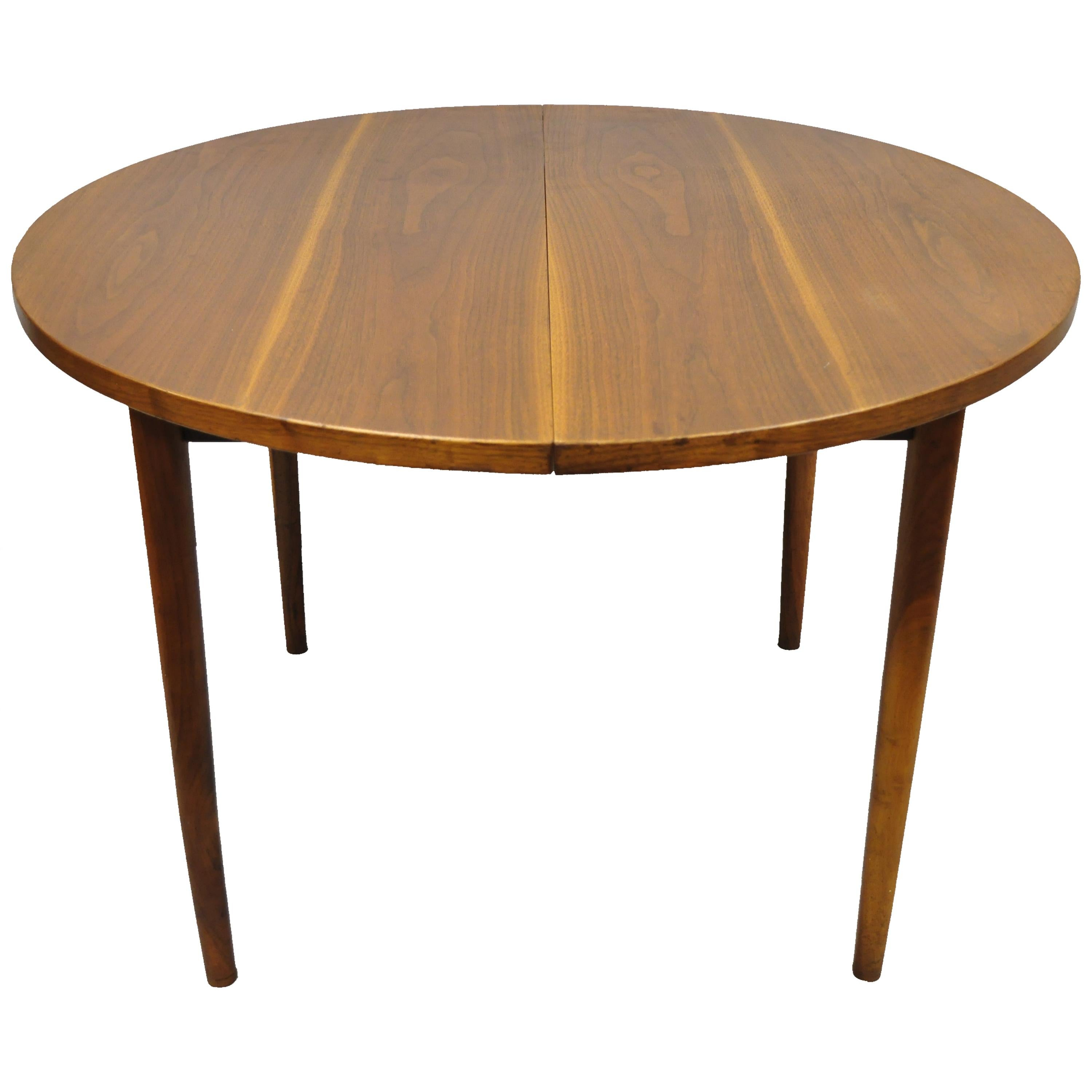 Round Dining Tables With Leaves - 229 For Sale on 1stdibs
