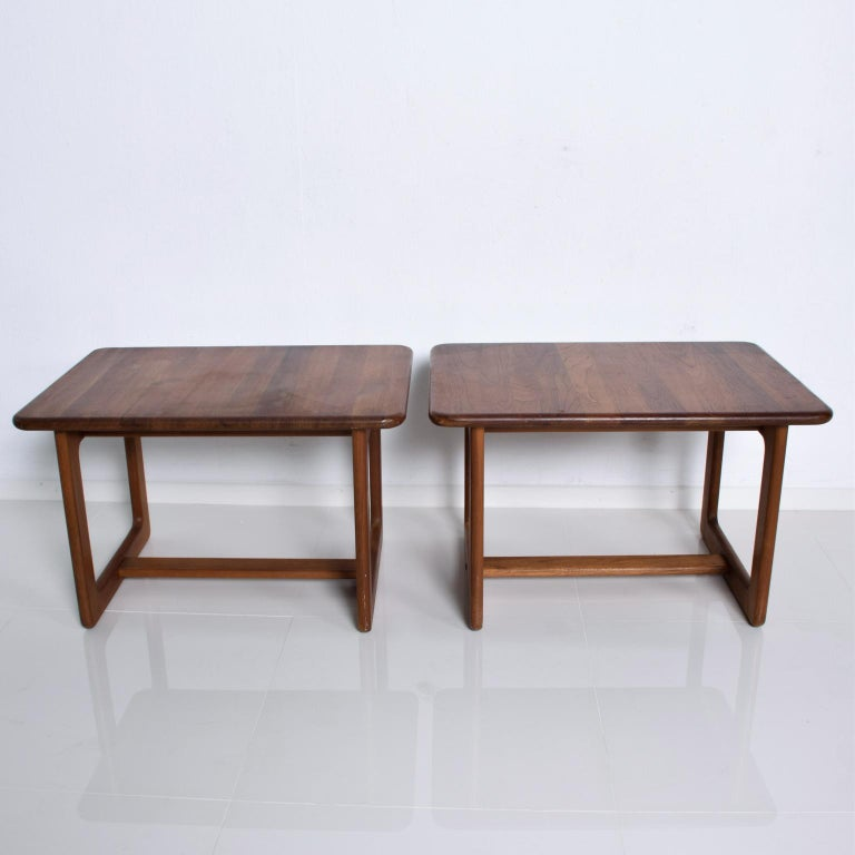 Fabulous Finn Juhl attributed Organic Modern Classic Pair of Rectangular Side tables in Solid Teak Wood. Denmark 1980s Simply lovely. Unmarked, no apparent stamp from maker. Dimensions: 19