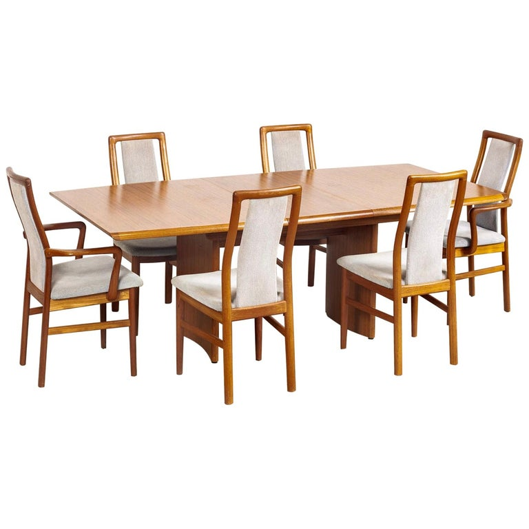 Mid Century Danish Modern Teak Dining Set With Table And 6 Chairs